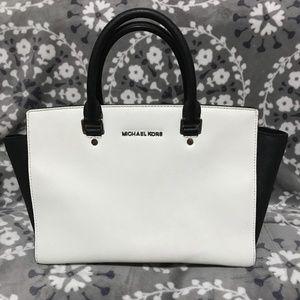 💯Authentic💯Michael Kors Large Satchel Bag 👜